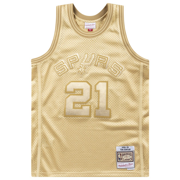 jordan-1-metallic-gold-tim-duncan-mitchell-and-ness-gold-jersey-1