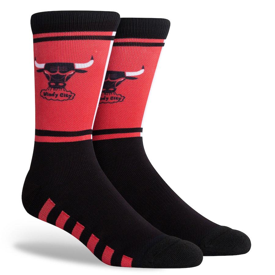 jordan-12-reverse-flu-game-bulls-stance-socks