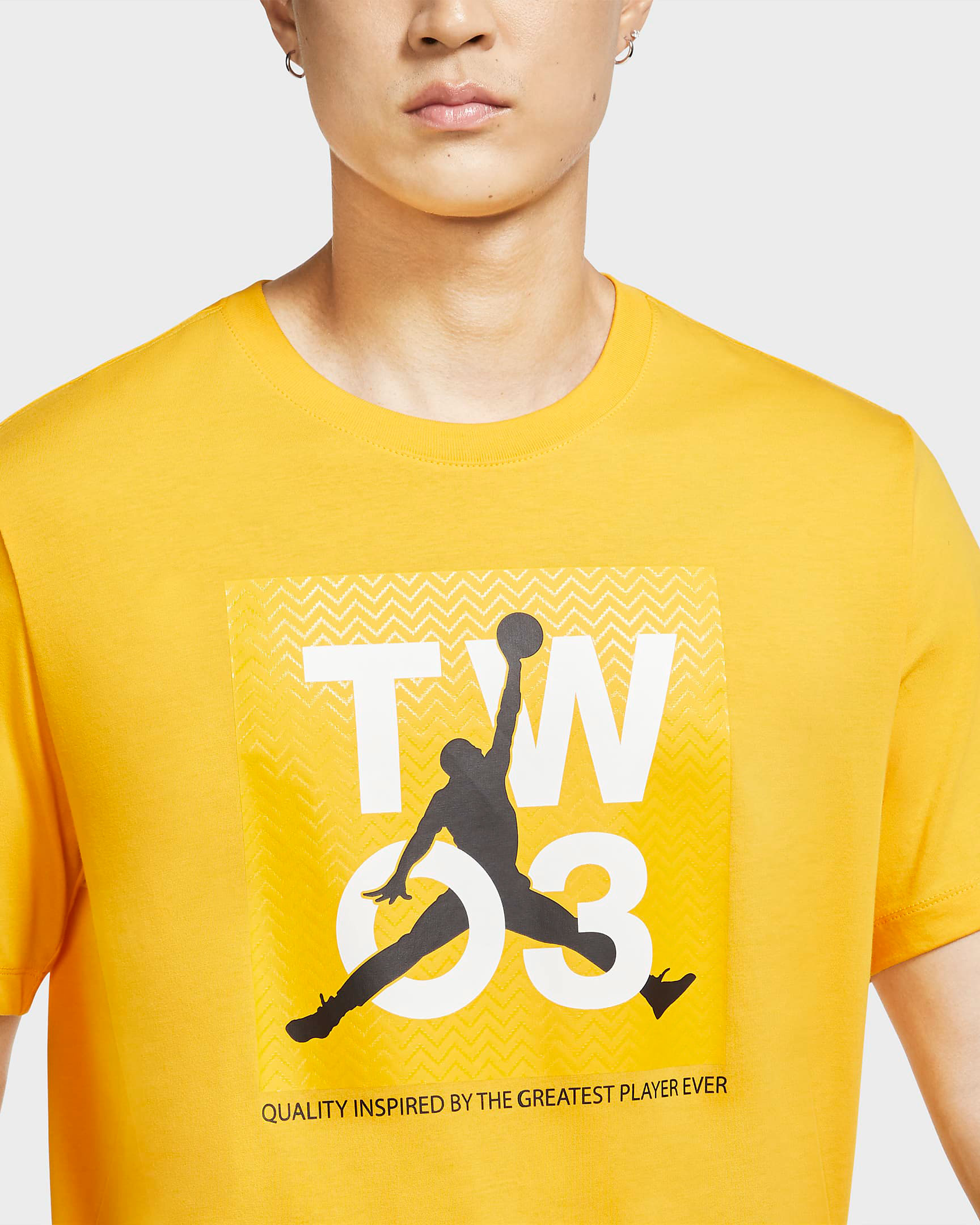 jordan-shirt-university-gold-black