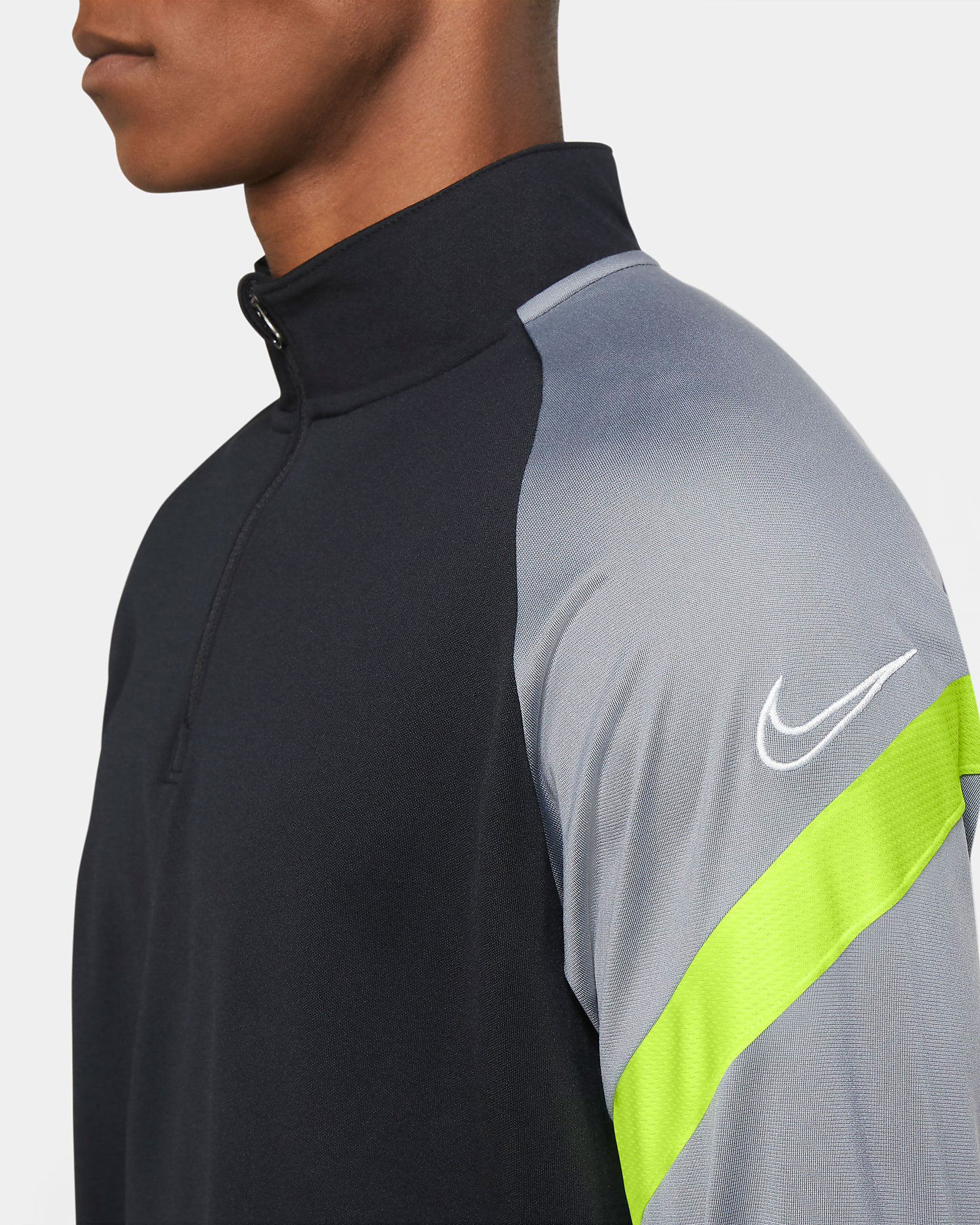 nike-air-max-95-neon-long-sleeve-top-3