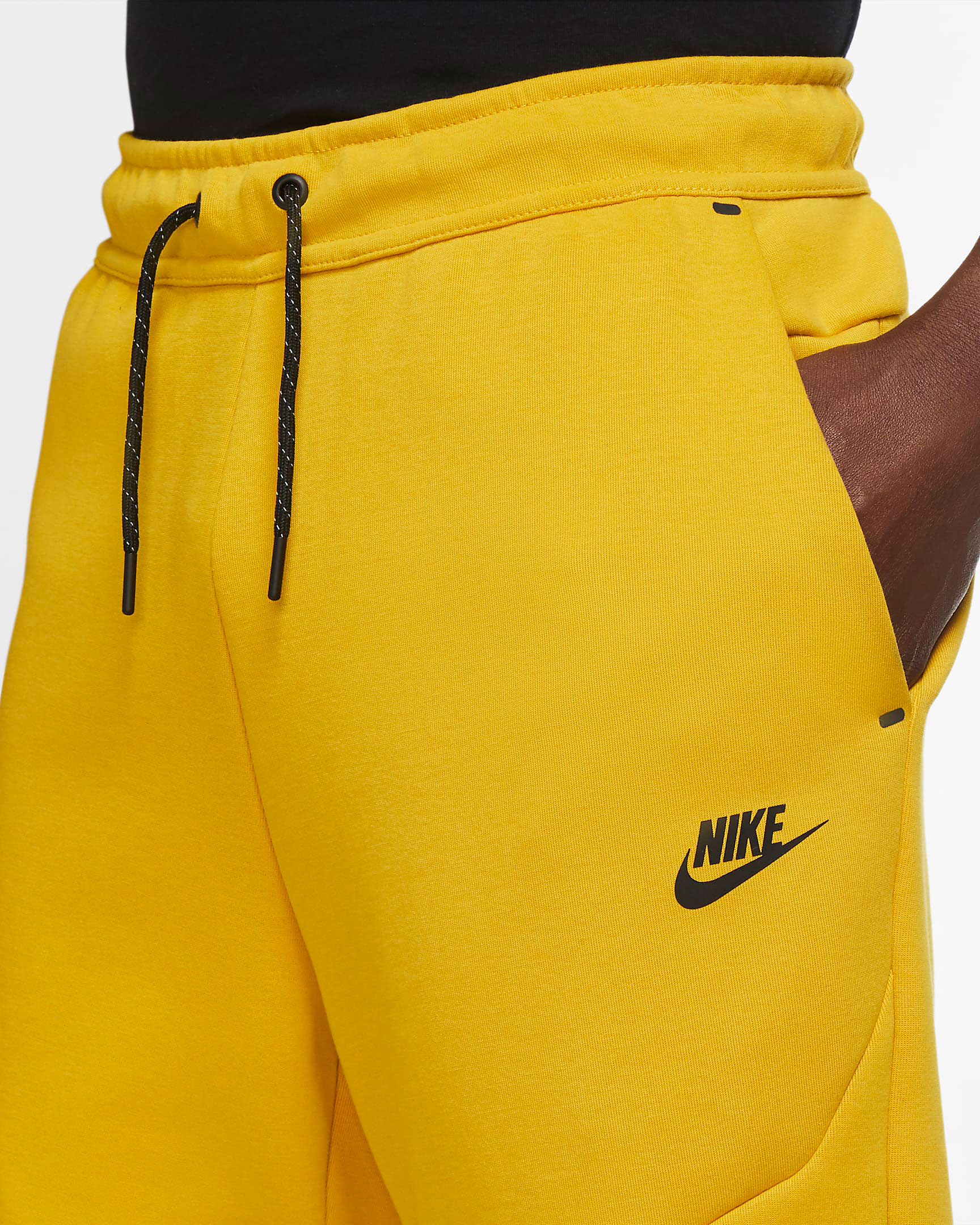 nike-dunk-high-varsity-maize-yellow-black-jogger-pants-2