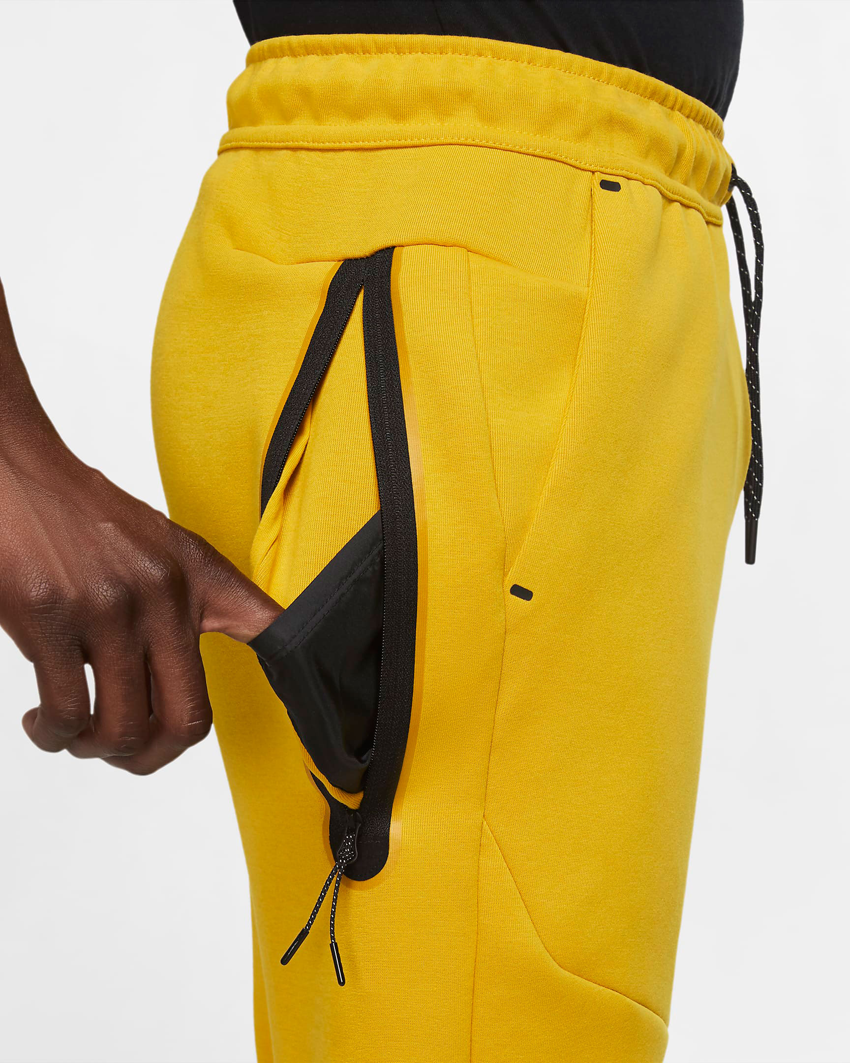 nike-dunk-high-varsity-maize-yellow-black-jogger-pants-3