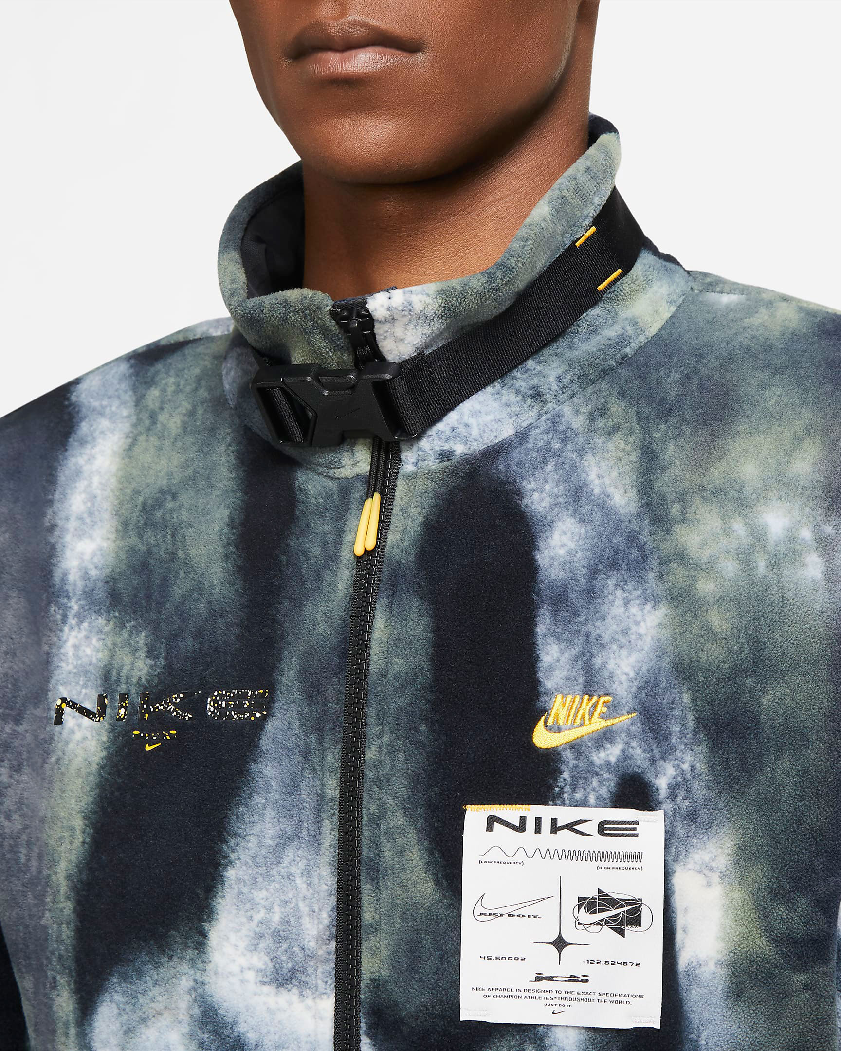 nike-sportswear-spiral-sage-fleece-jacket-match