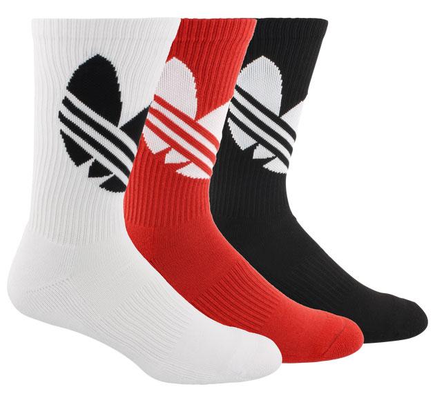 yeezy-350-bred-socks