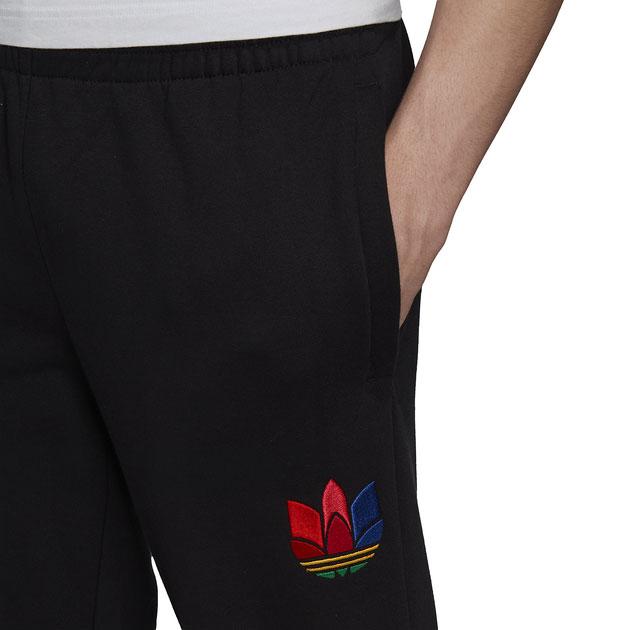 yeezy-350-v2-bred-jogger-pants-1