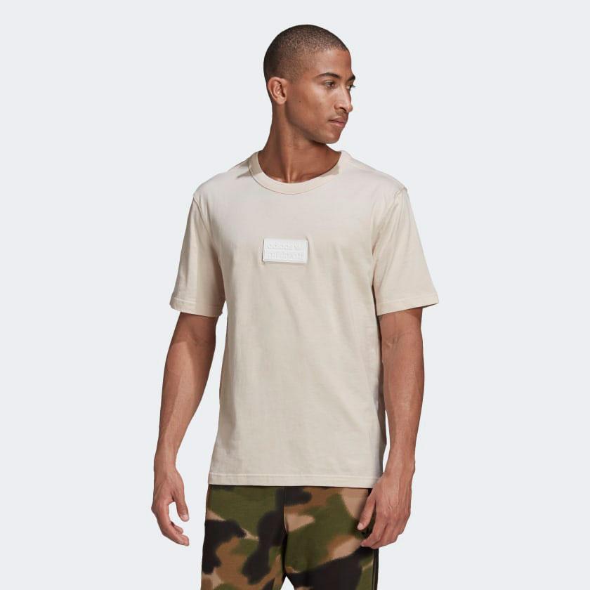 yeezy-350-v2-sand-taupe-adidas-shirt