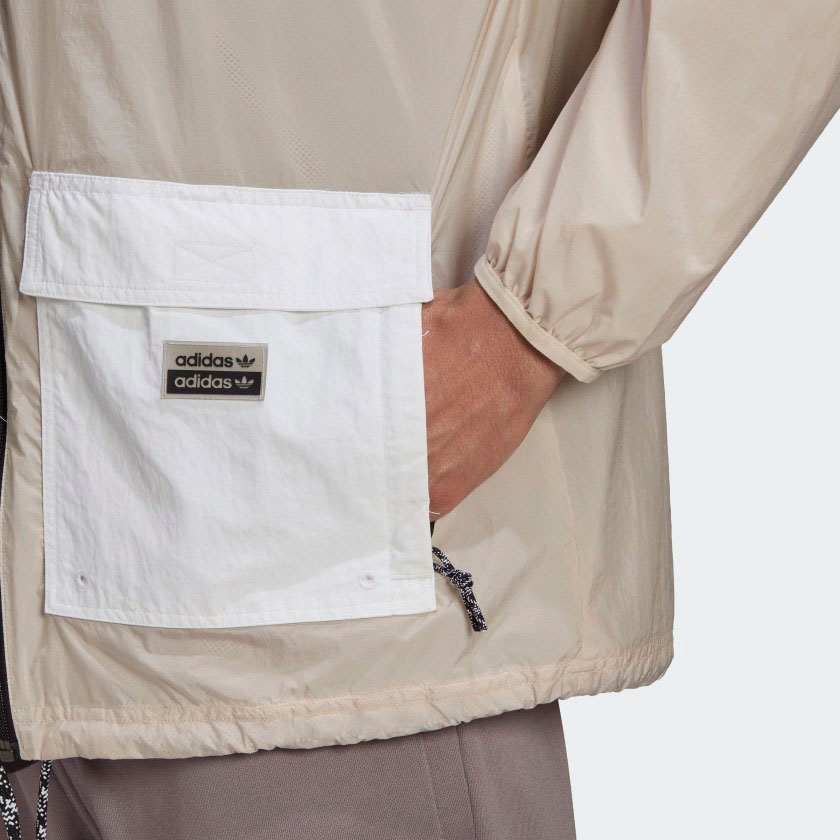 yeezy-350-v2-sand-taupe-jacket-match-3
