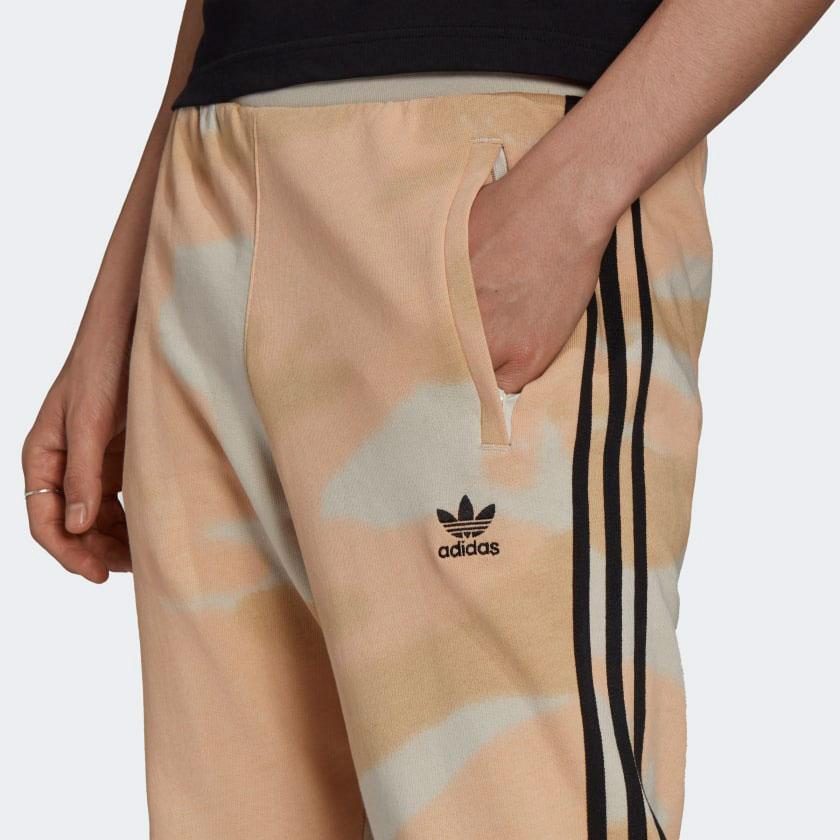 yeezy-350-v2-sand-taupe-pants-2