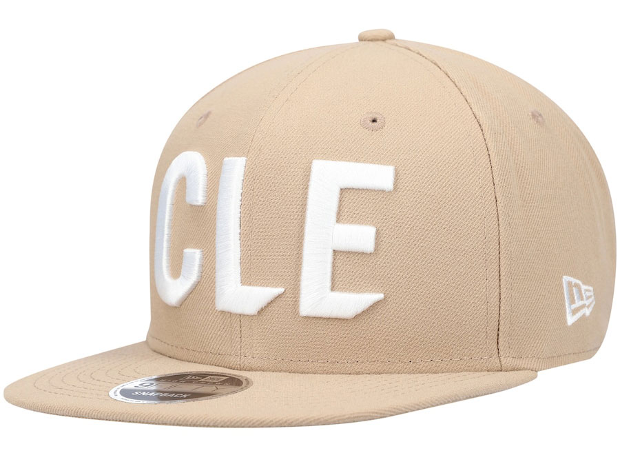 yeezy-sand-taupe-new-era-cavs-hat
