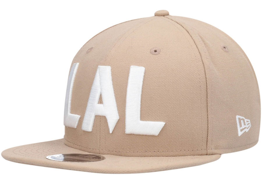 yeezy-sand-taupe-new-era-lakers-hat