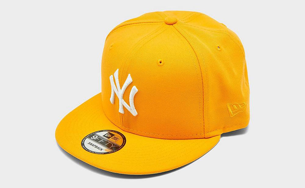 new-york-yankees-snapback-hat-university-gold-sneaker-match-6