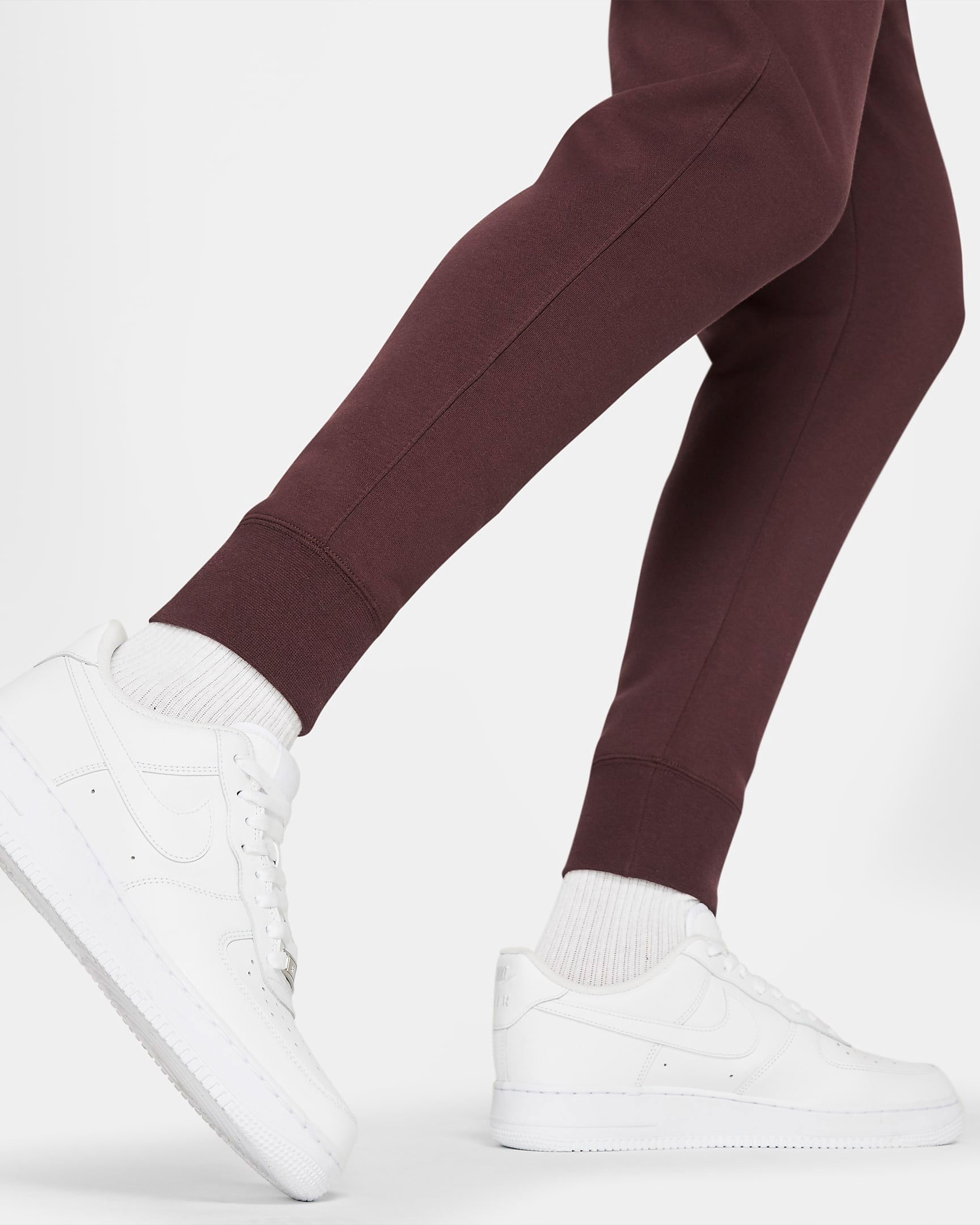 nike-club-fleece-jogger-pants-mahogany-brown-2
