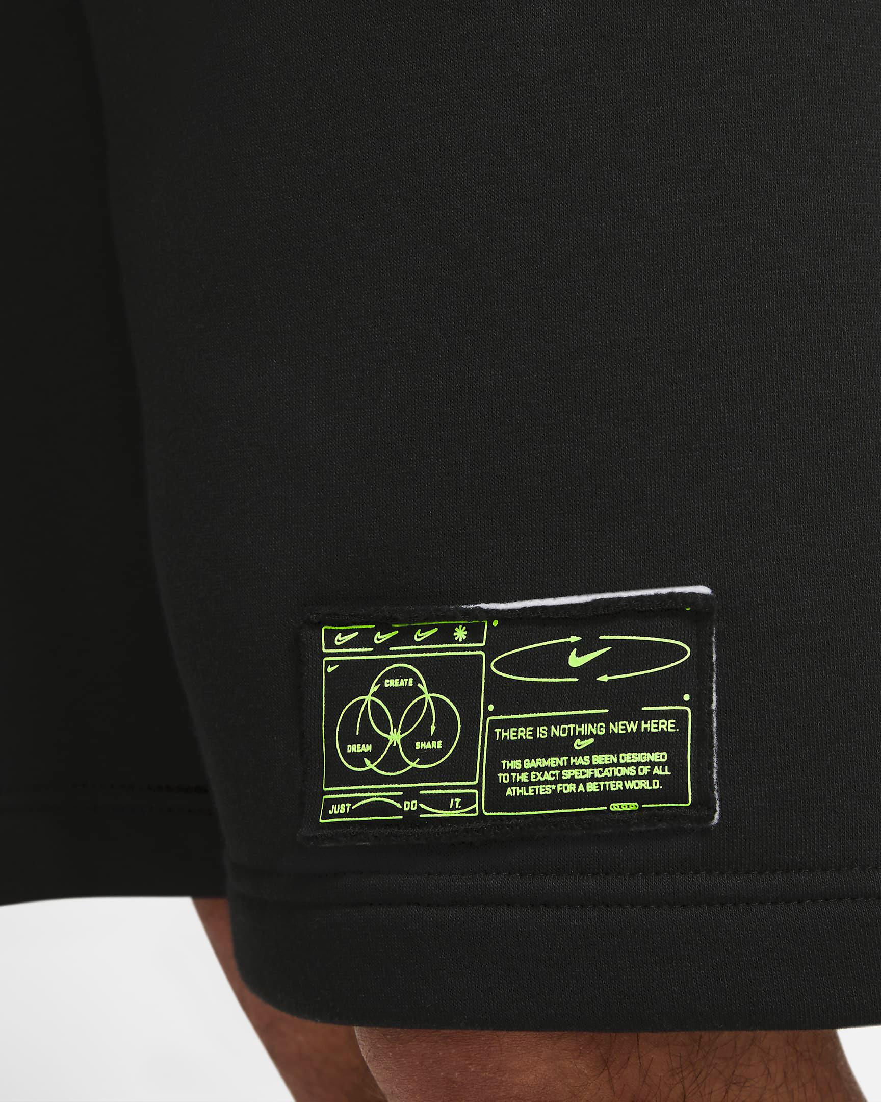 nike-club-fleece-shorts-black-volt-4