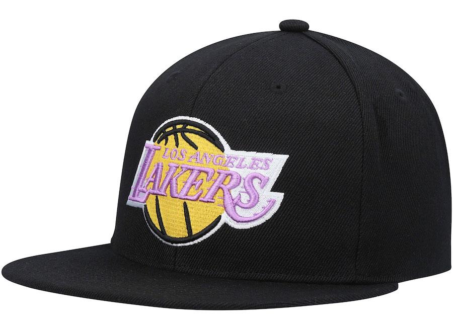 nike-lebron-18-multi-color-lakers-hat
