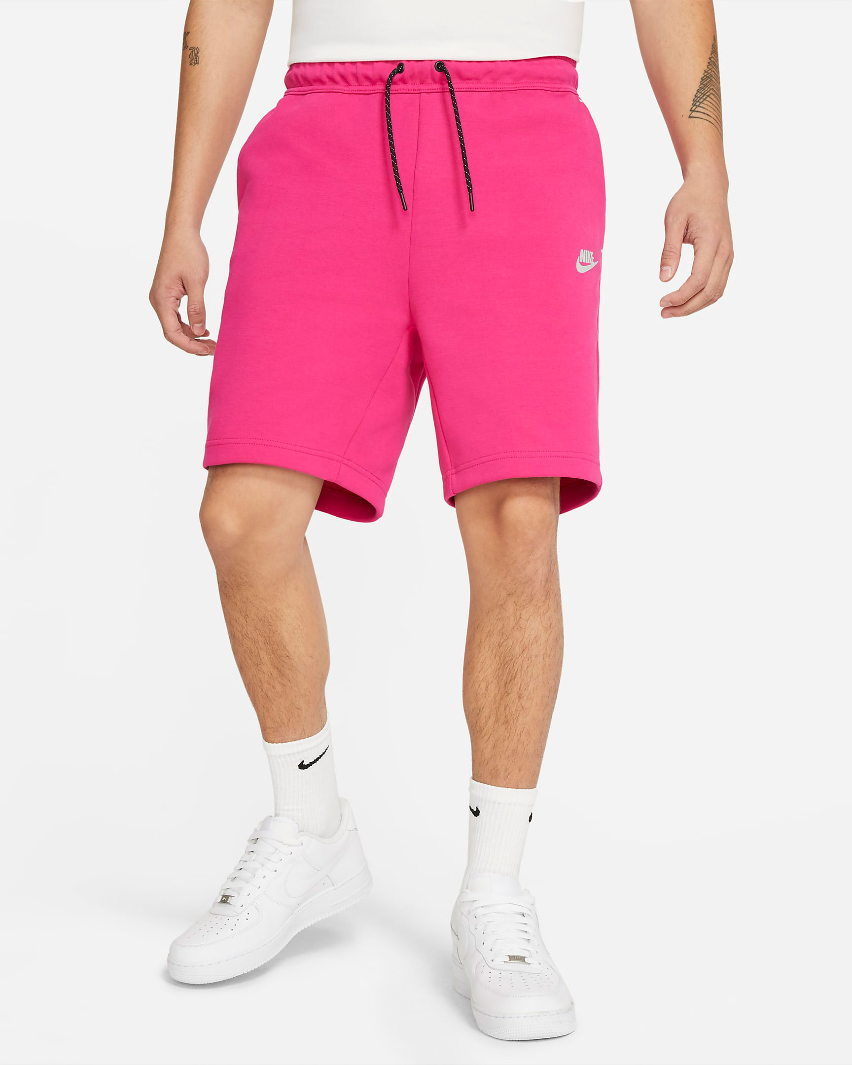 nike-tech-fleece-shorts-fireberry-pink-1
