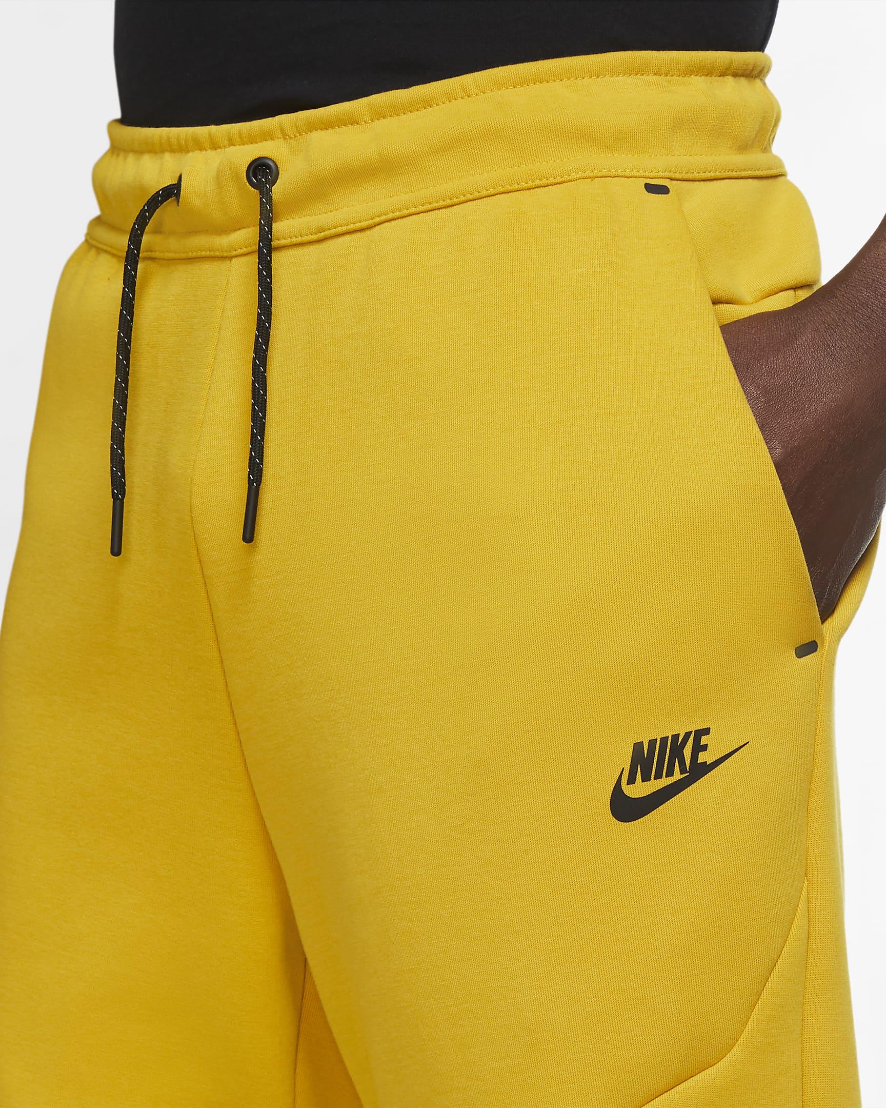 sportswear-tech-fleece-mens-joggers-4x29ft-1