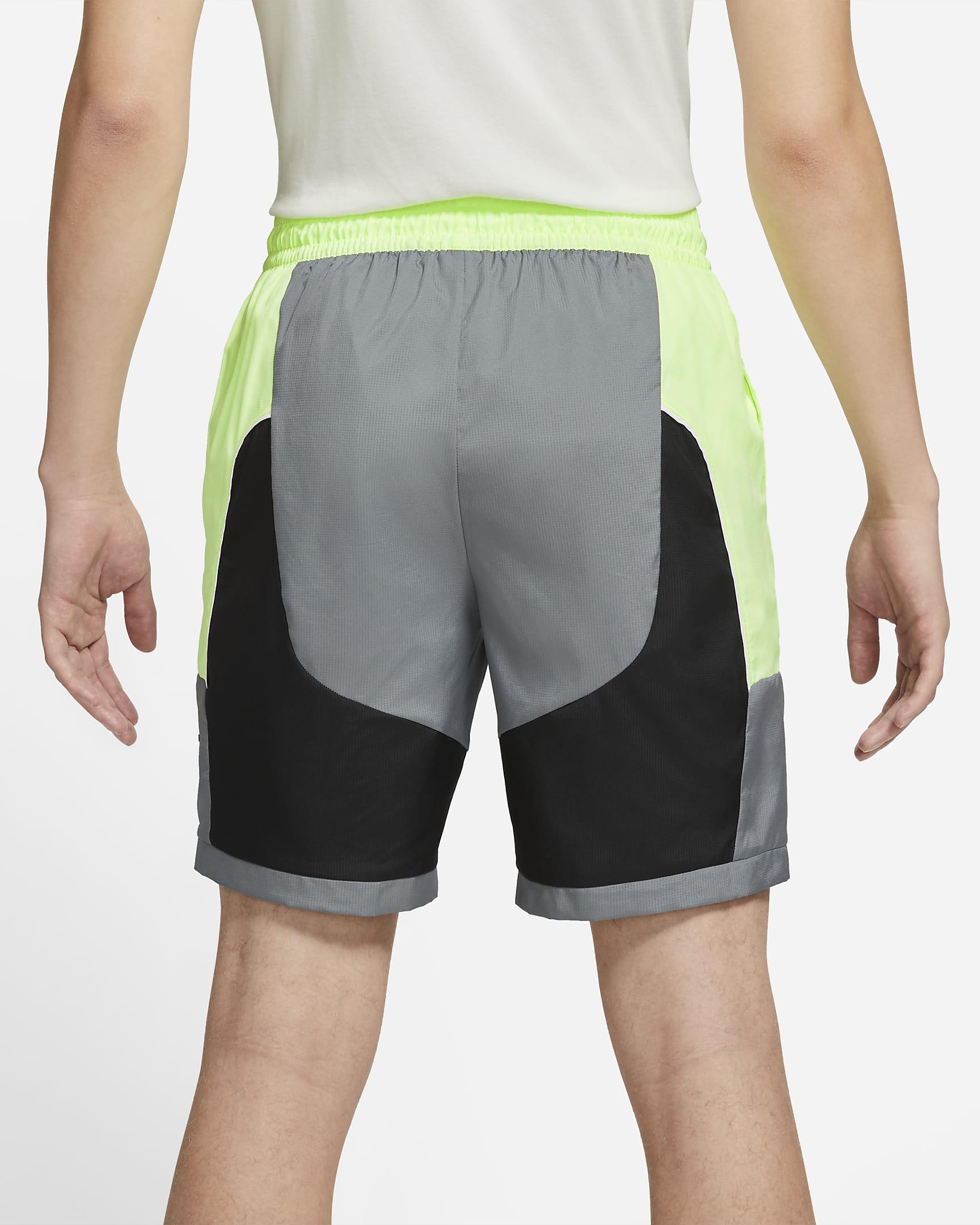 throwback-mens-basketball-shorts-D2s5Rs-2