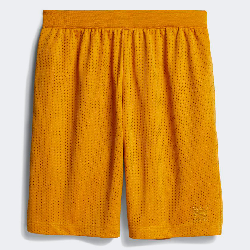 yeezy-700-sun-gold-shorts-match-1