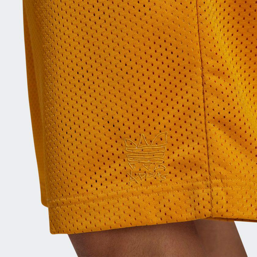 yeezy-700-sun-gold-shorts-match-2