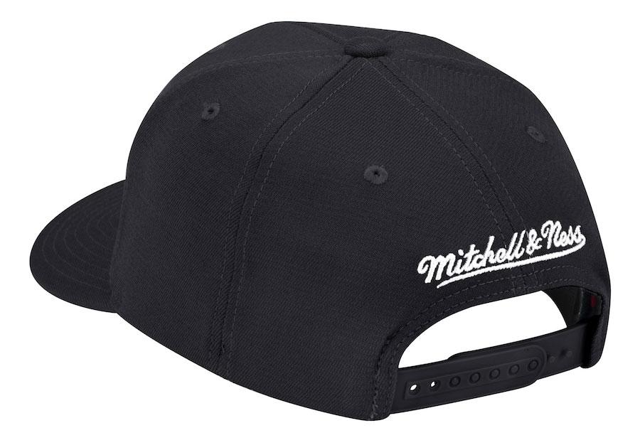 chicago-bulls-mitchell-ness-redline-snapback-cap-2