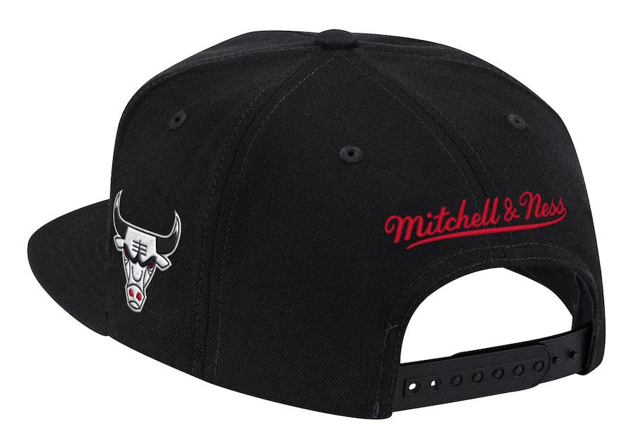 chicago-bulls-mitchell-ness-script-snapback-cap-2