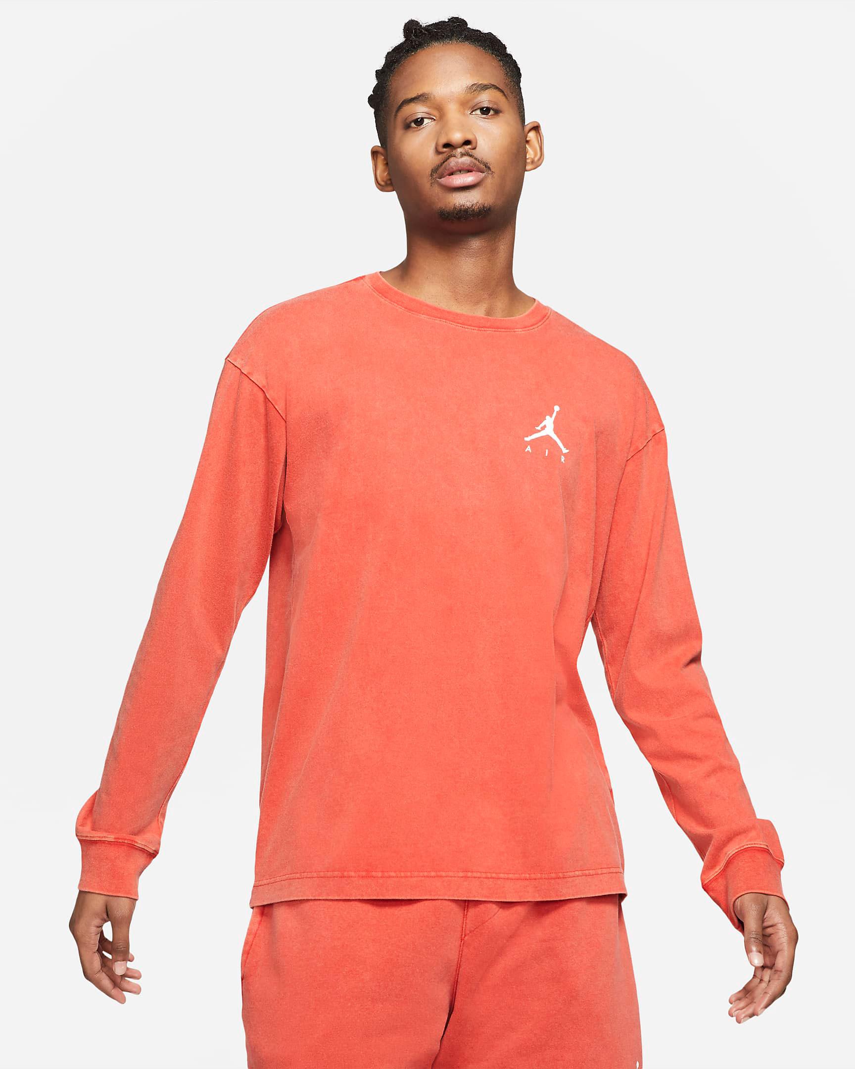 jordan-4-taupe-haze-infrared-shirt-match