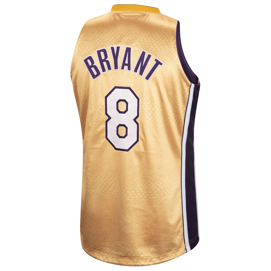 kobe-bryant-lakers-reversible-snakeskin-gold-number-8-jersey-back