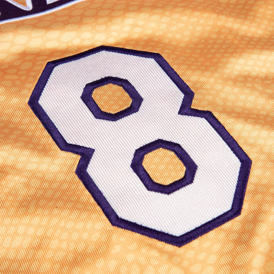 kobe-bryant-lakers-reversible-snakeskin-gold-number-8-jersey