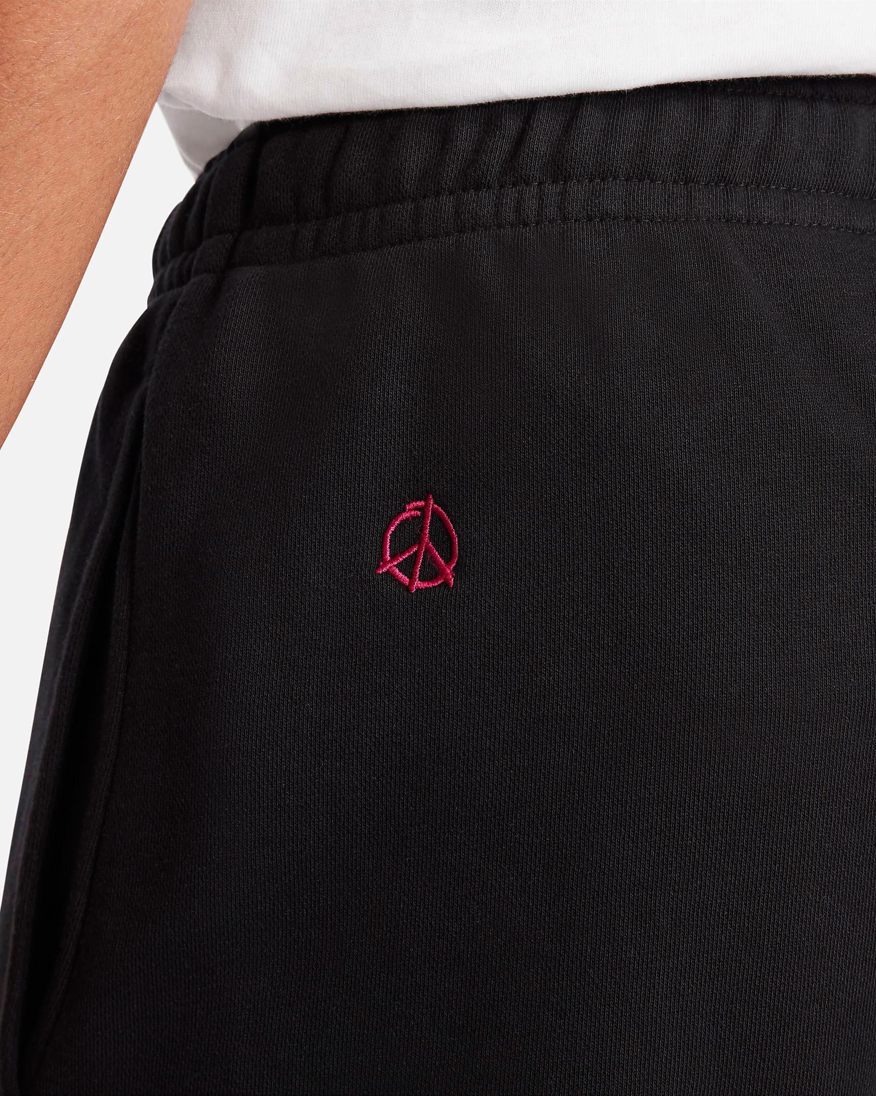 nike-world-tour-jogger-pants-black-5
