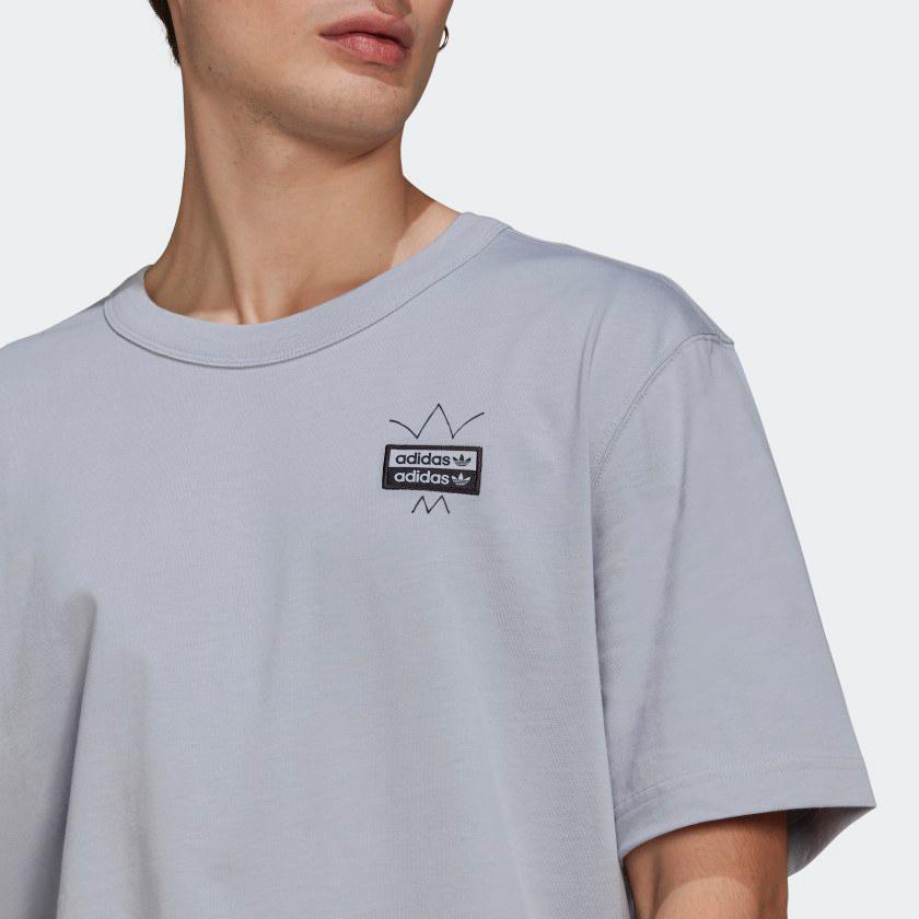 yeezy-350-ash-blue-t-shirt-match-2
