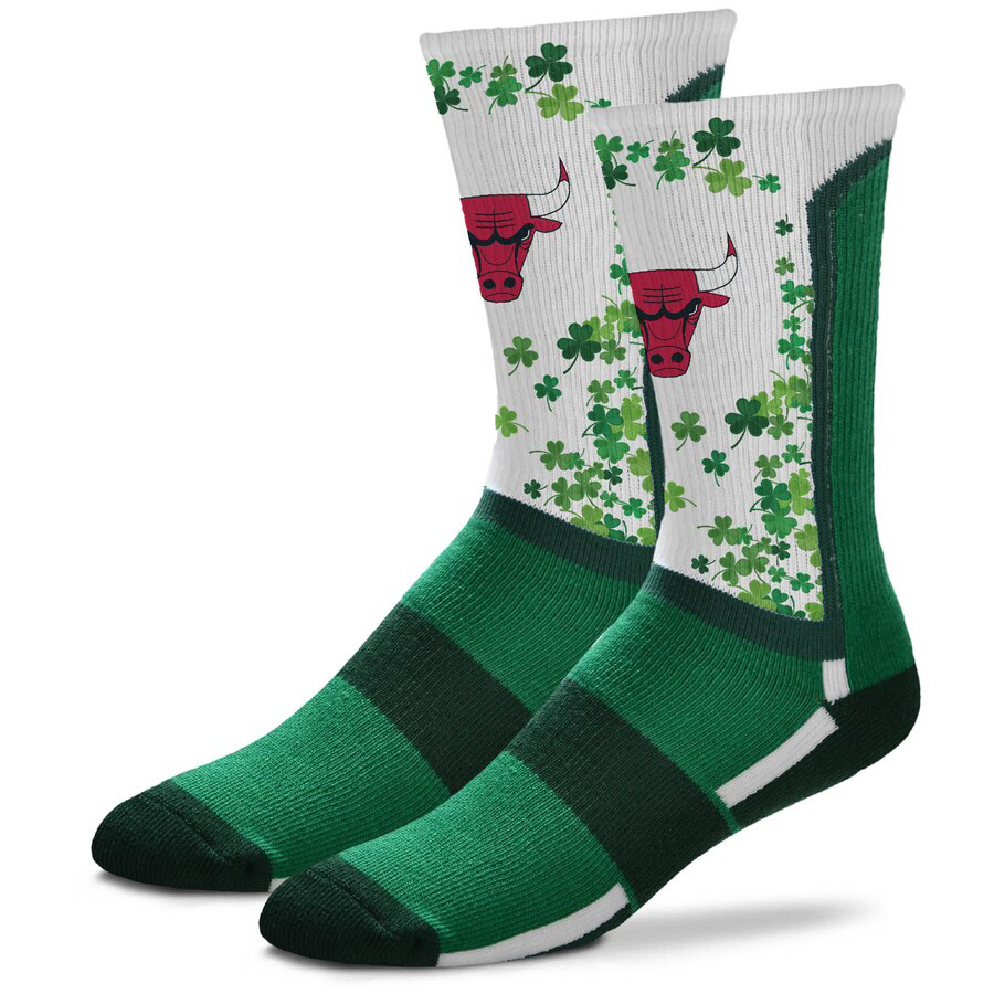chicago-bulls-st-patricks-day-2021-socks