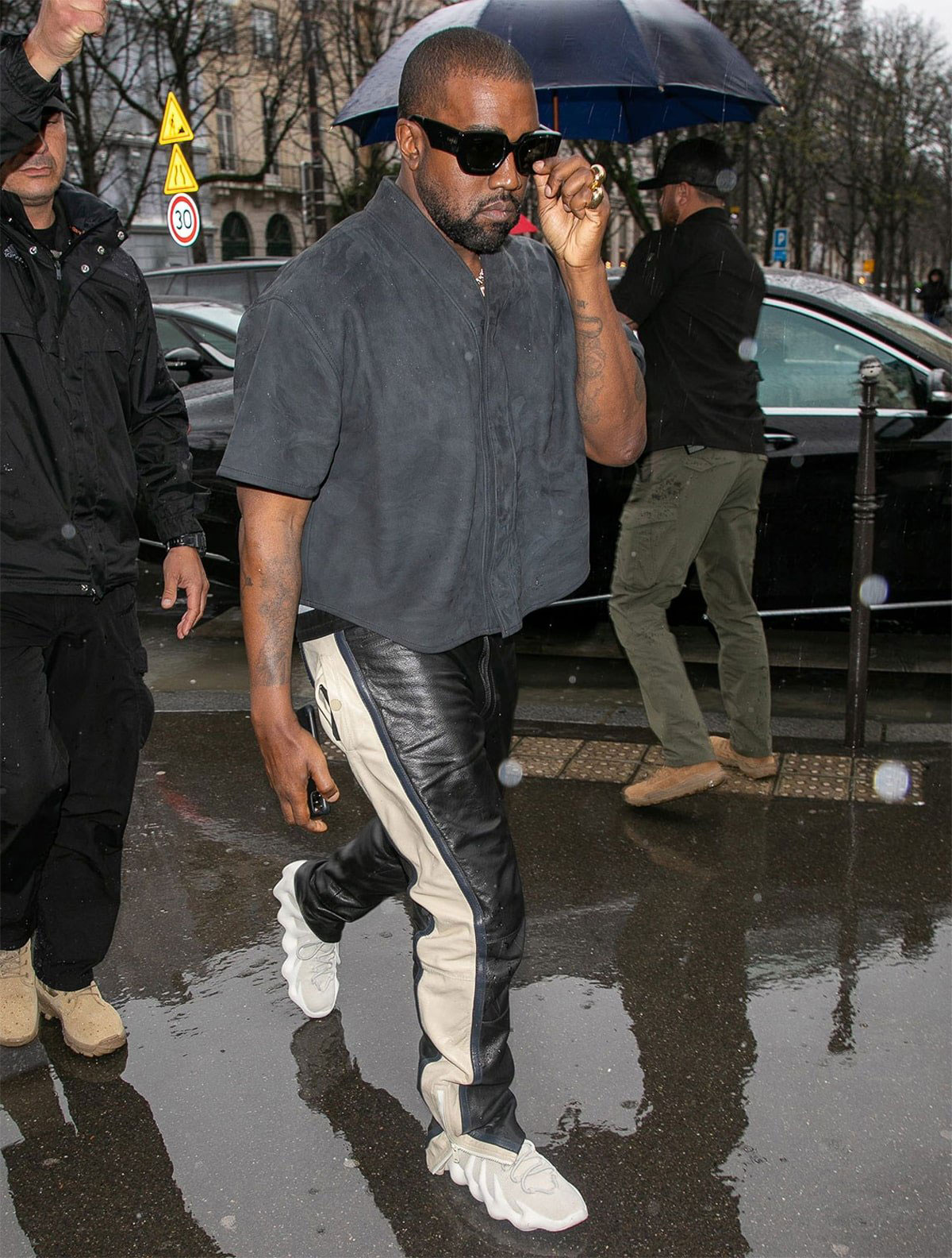 kanye-west-wearing-yeezy-450-cloud-white-1