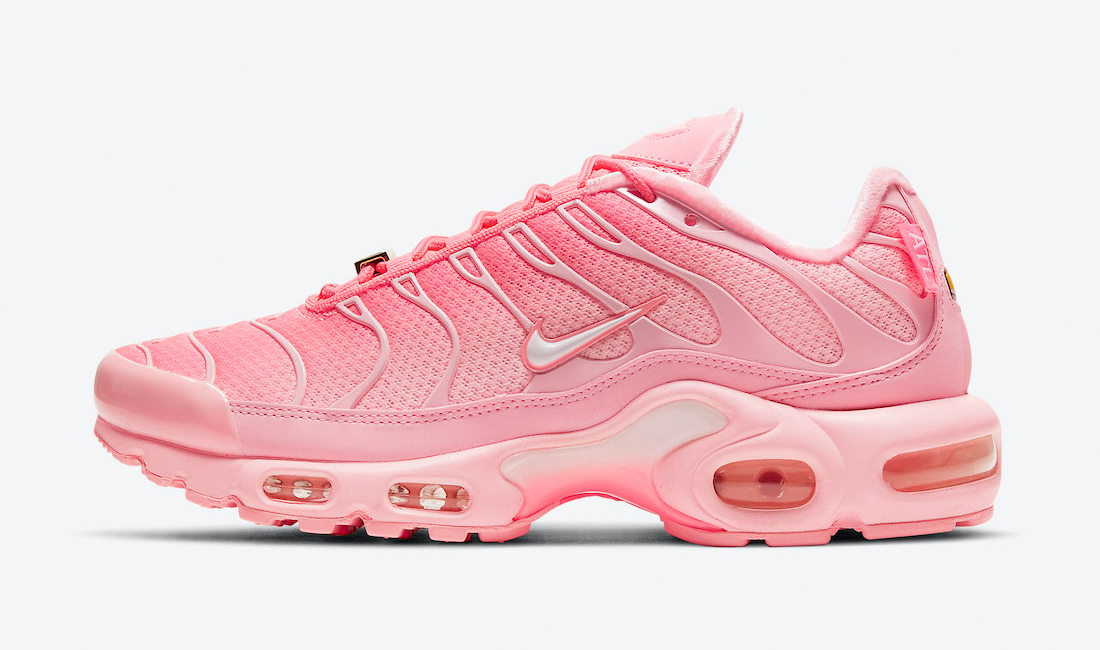 nike-air-max-plus-atlanta-city-special-pink-sneaker-clothing-match