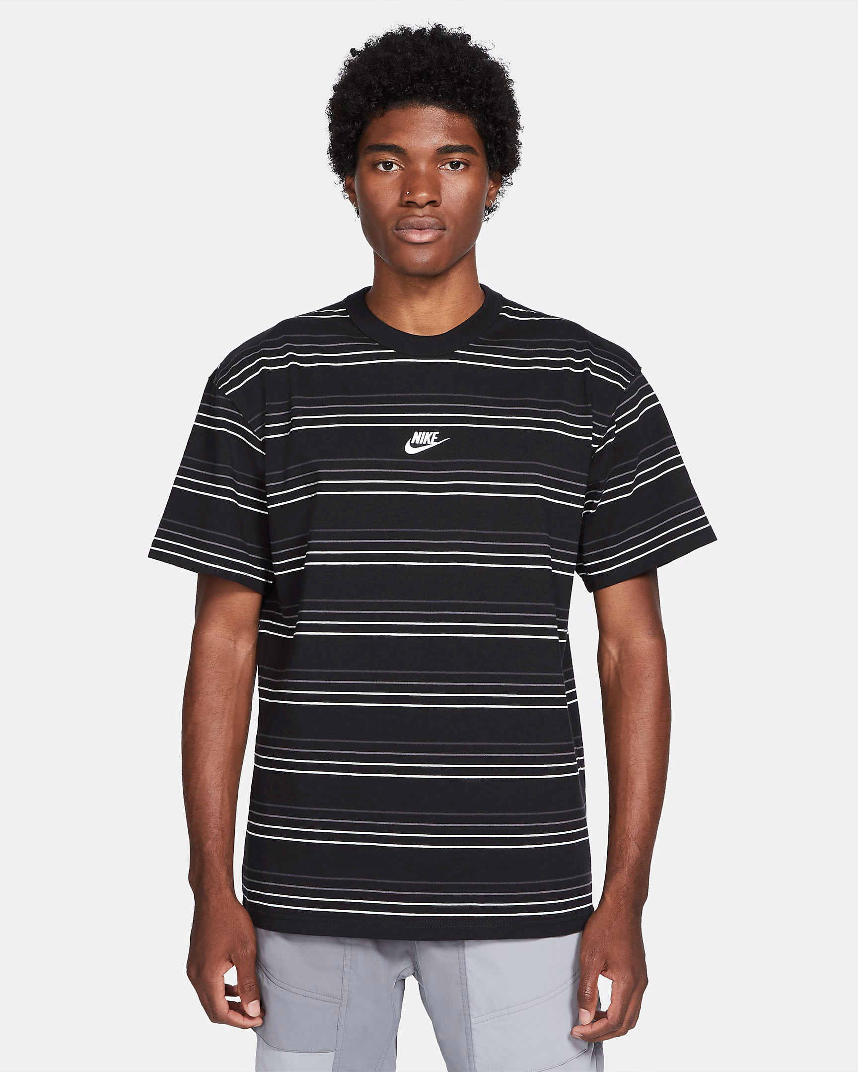 nike-dunk-low-black-white-tee-shirt-1