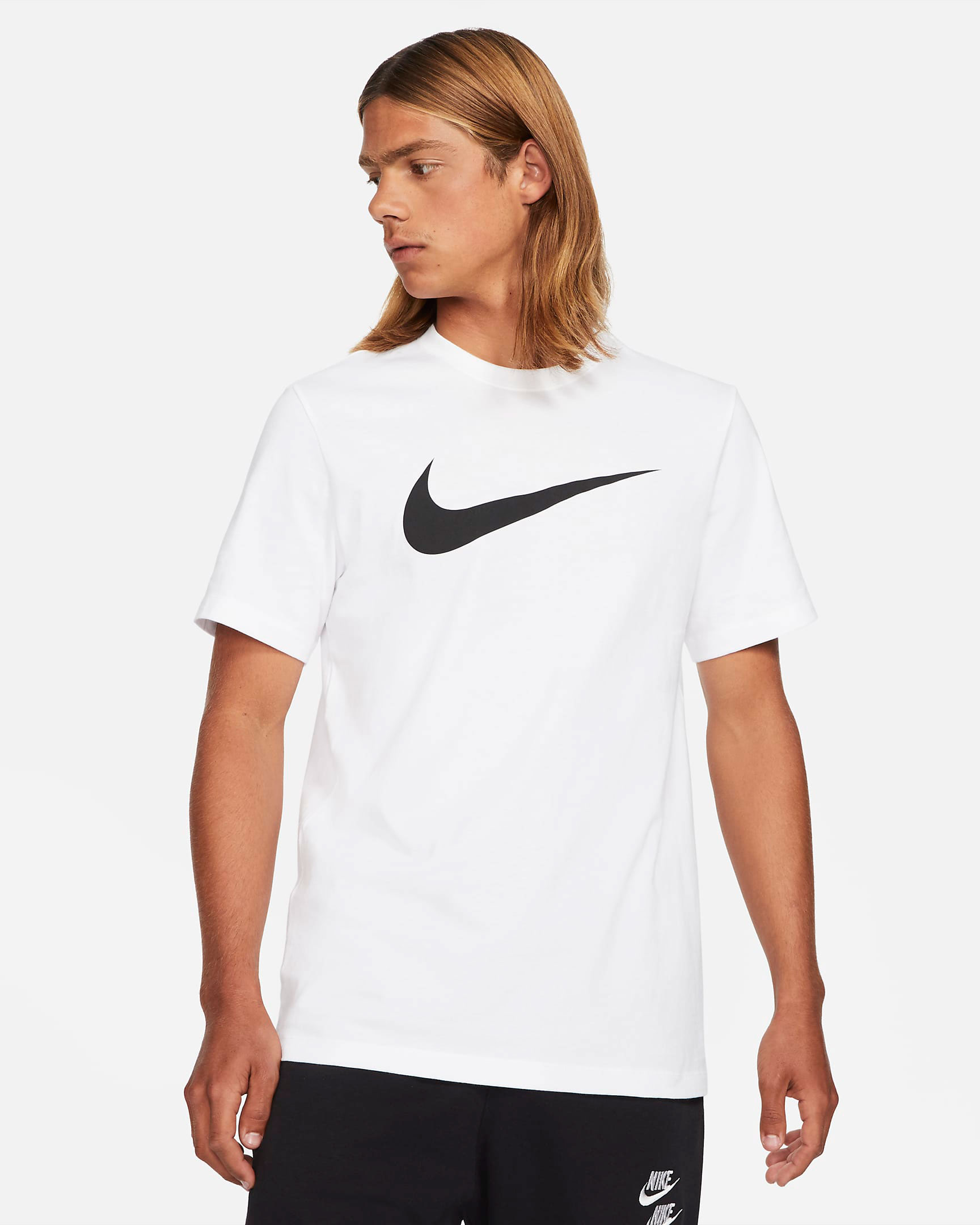 nike-dunk-low-white-black-t-shirt