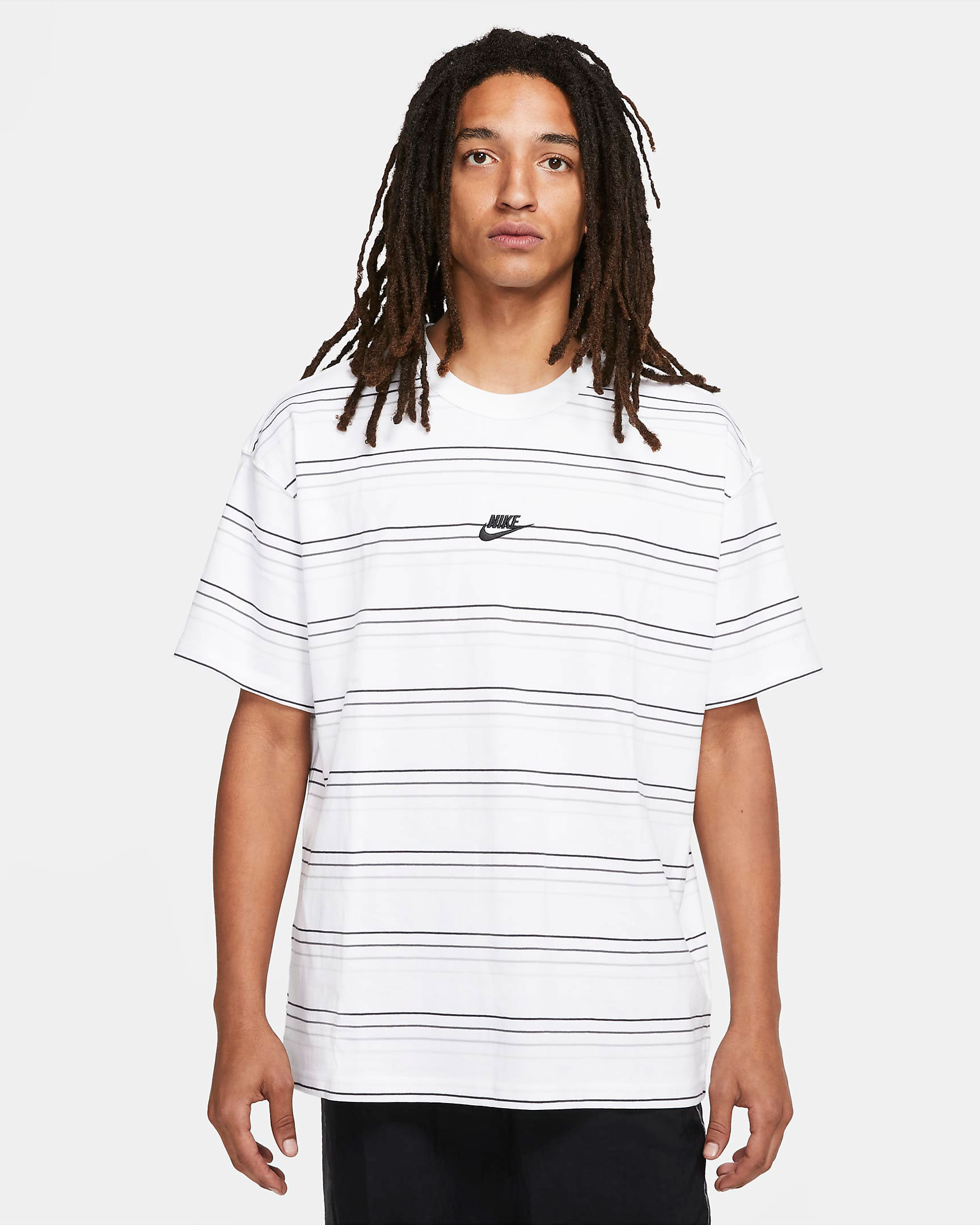 nike-dunk-low-white-black-tee-shirt-1