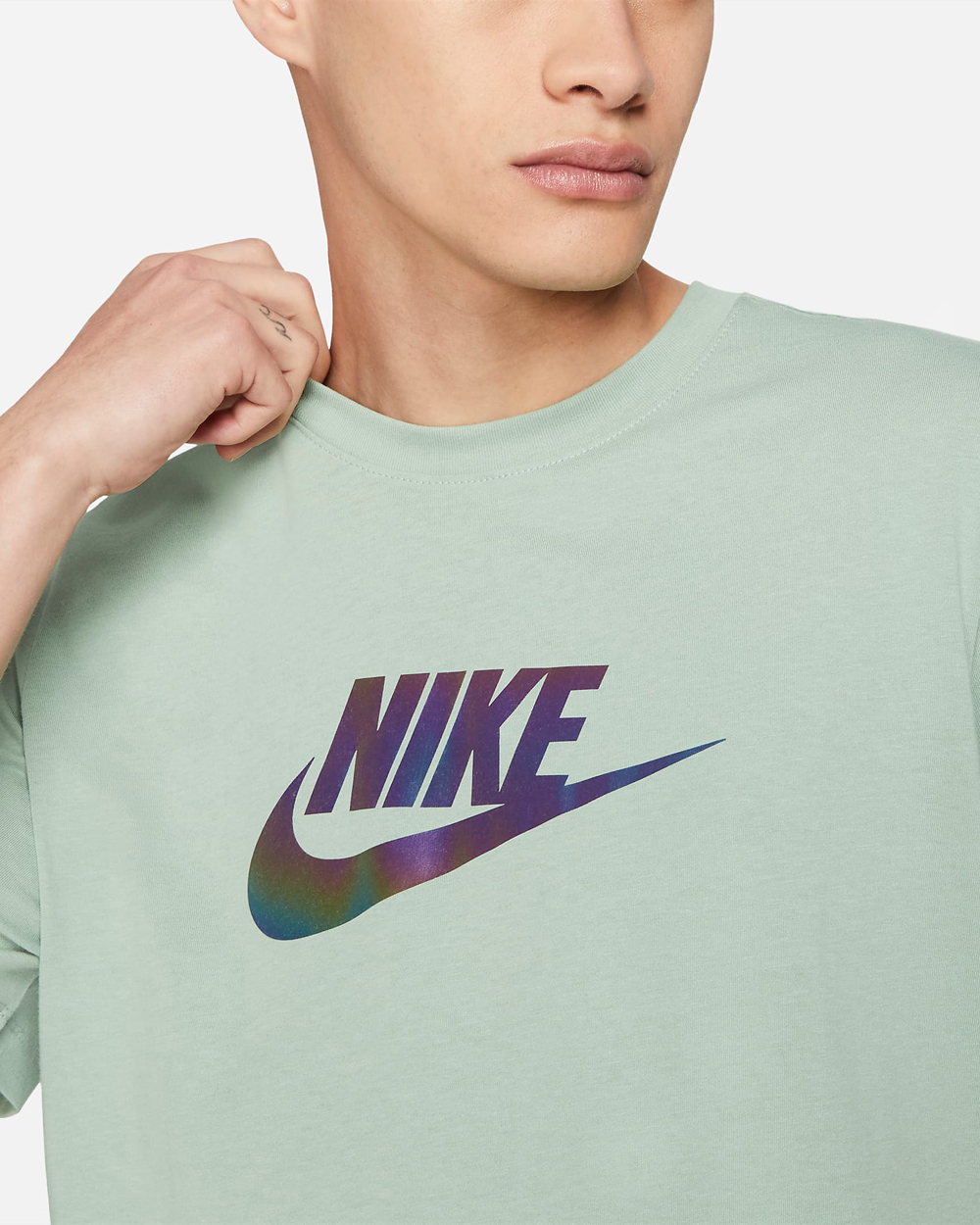 nike-iridescent-shirt-steam-green-1
