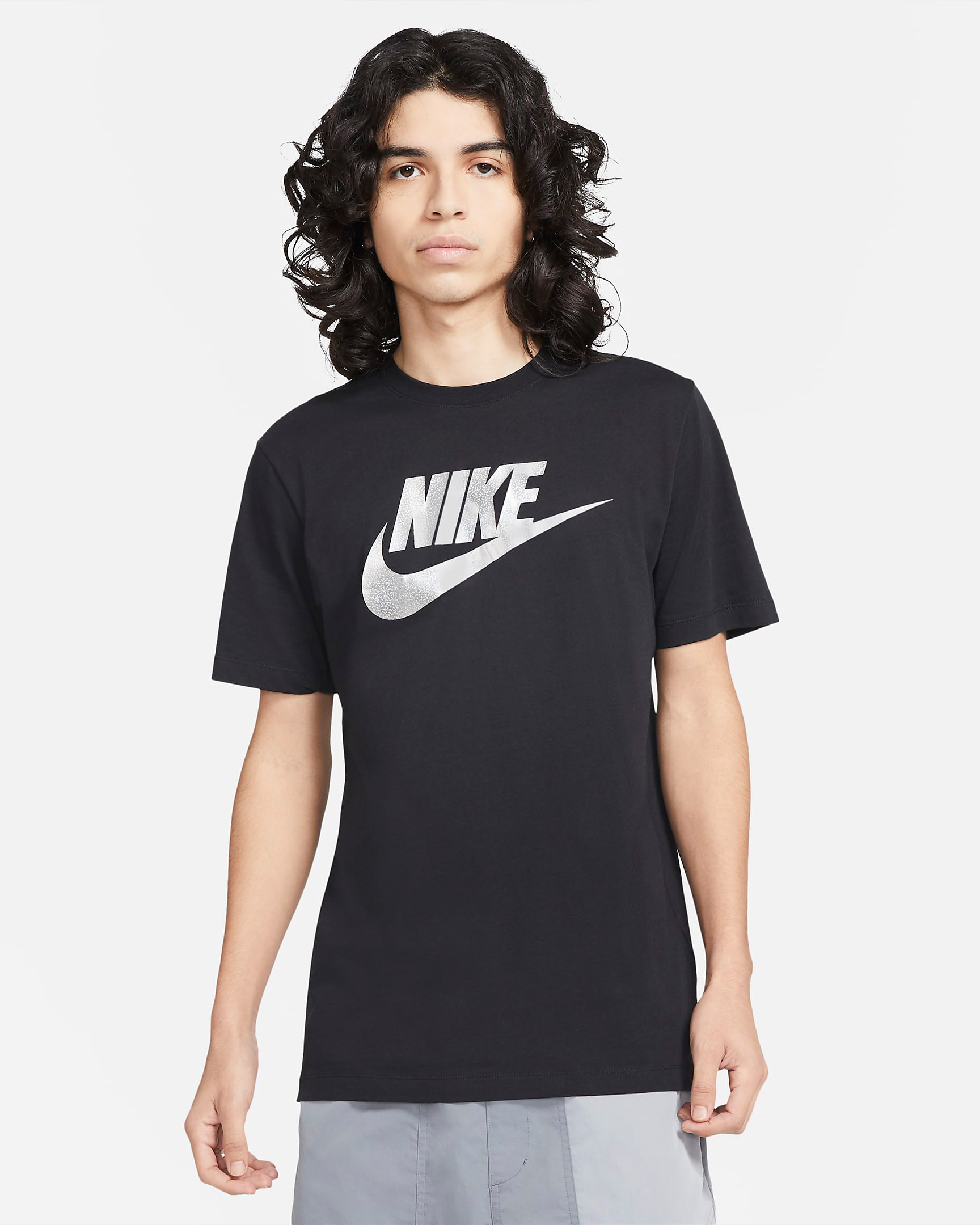 nike-sportswear-metallic-silver-black-2