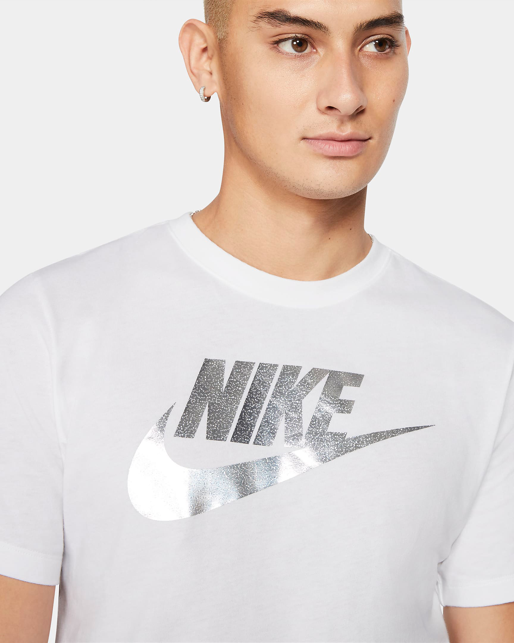 nike-sportswear-metallic-silver-shirt-white-1