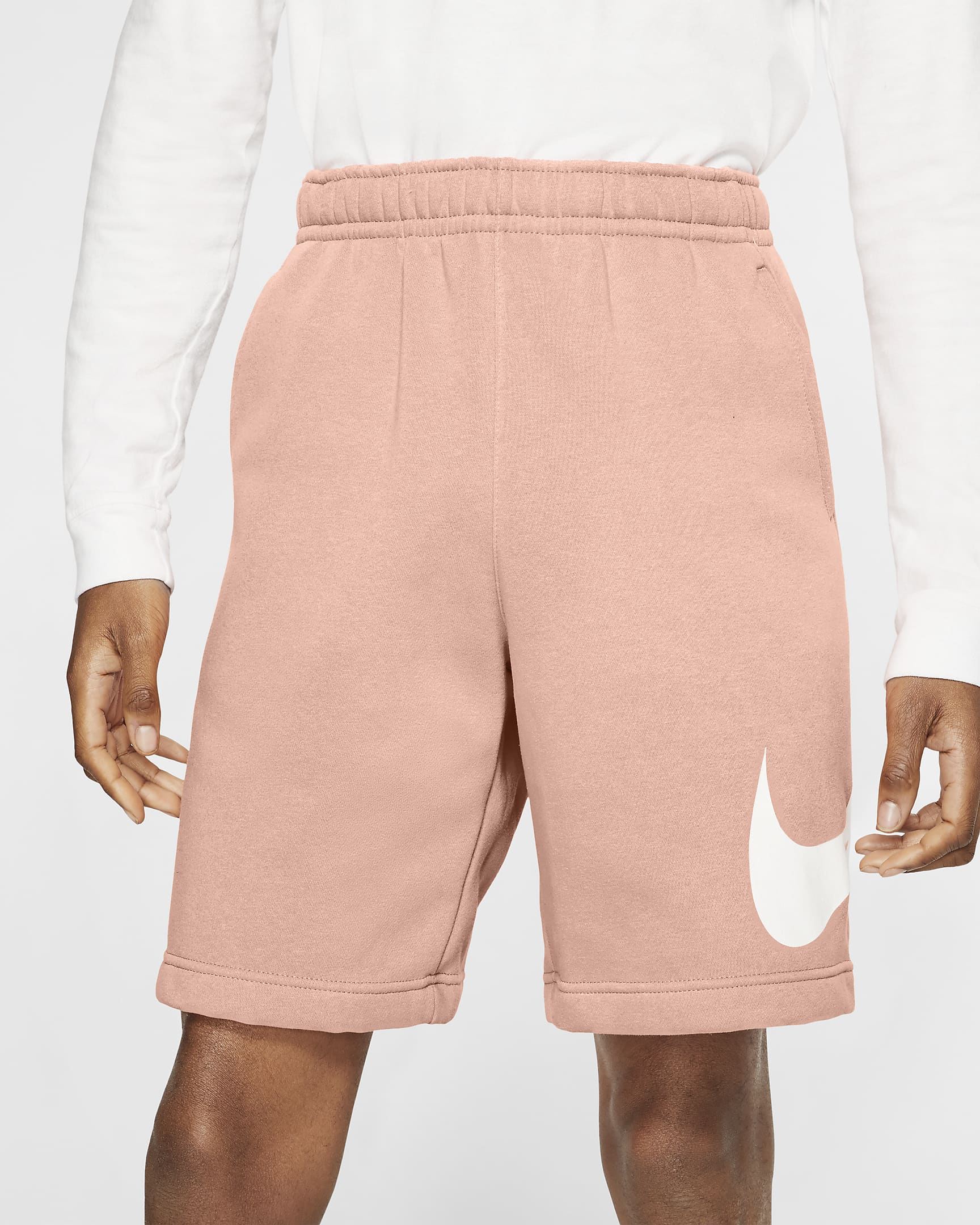 sportswear-club-mens-graphic-shorts-hQgvng.png