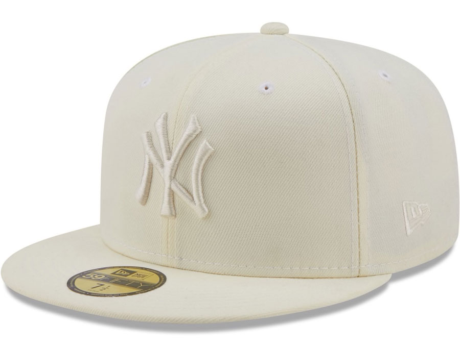 yeezy-450-cloud-white-yankees-hat