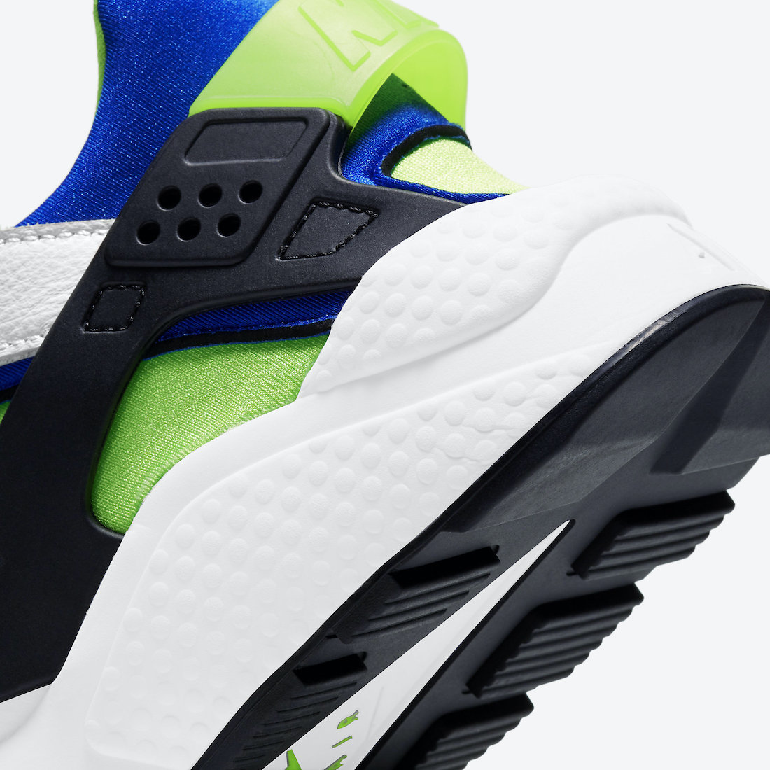 Nike-Air-Huarache-Scream-Green-DD1068-100-2021-Release-Date-7