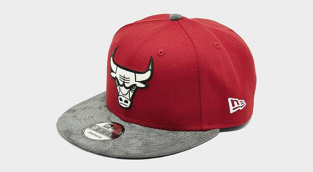 air-jordan-13-red-flint-bulls-hat-3
