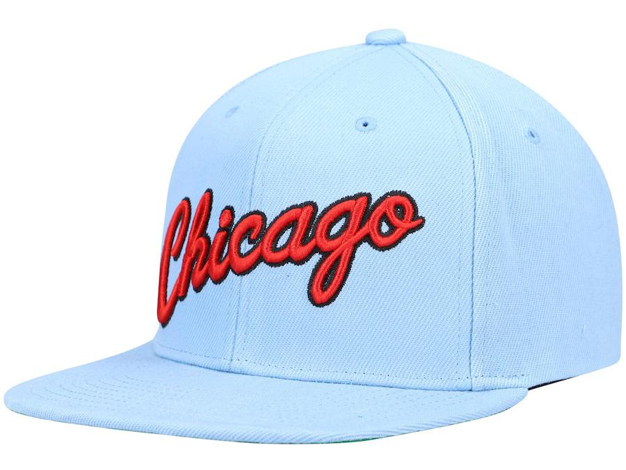 chicago-bulls-hat-university-blue-red-mitchell-ness-1