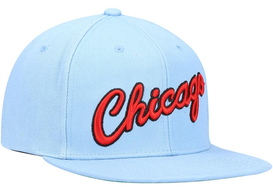 chicago-bulls-hat-university-blue-red-mitchell-ness-2