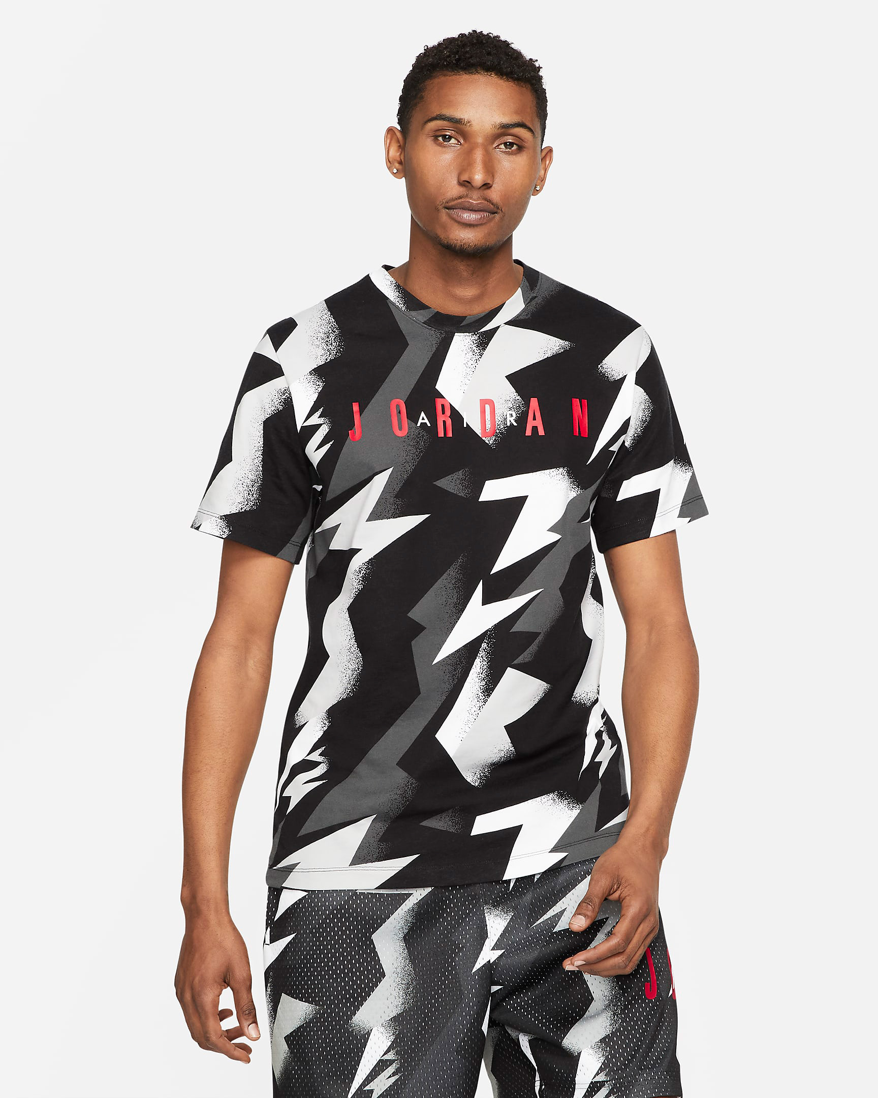 jordan-jumpman-air-printed-shirt-summer-2021-black-white-grey-red-2