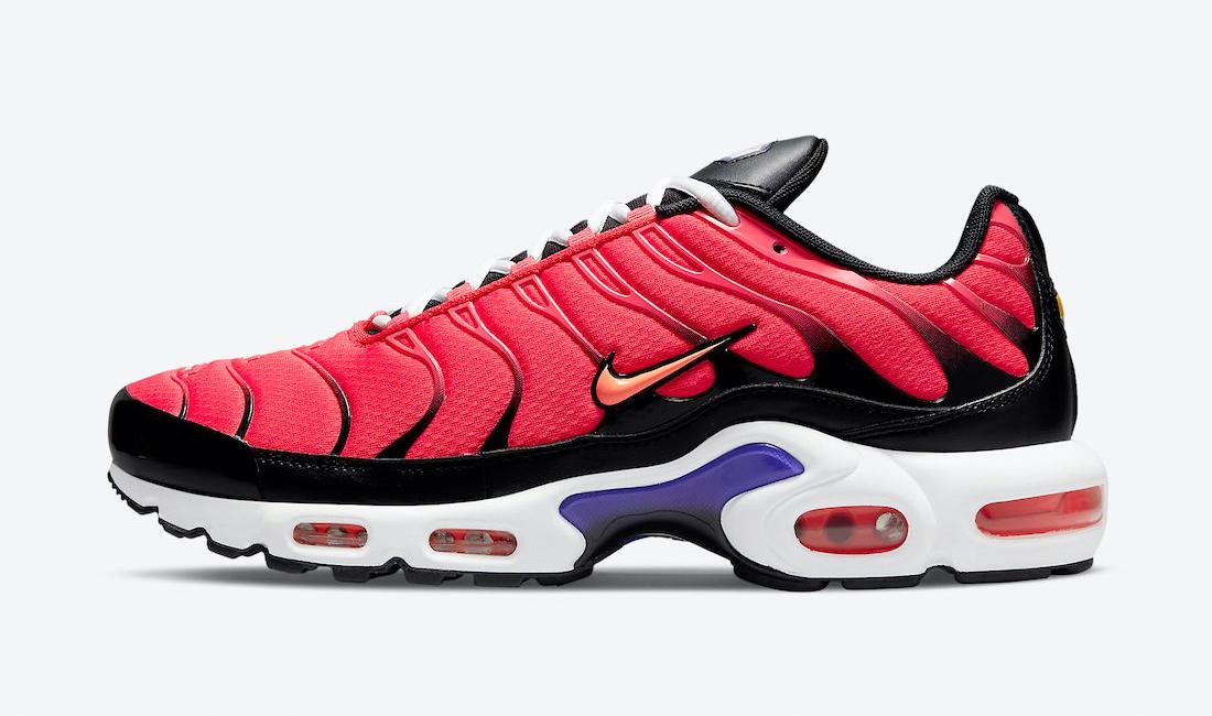nike-air-max-plus-bright-crimson-siren-red-sneaker-clothing-match