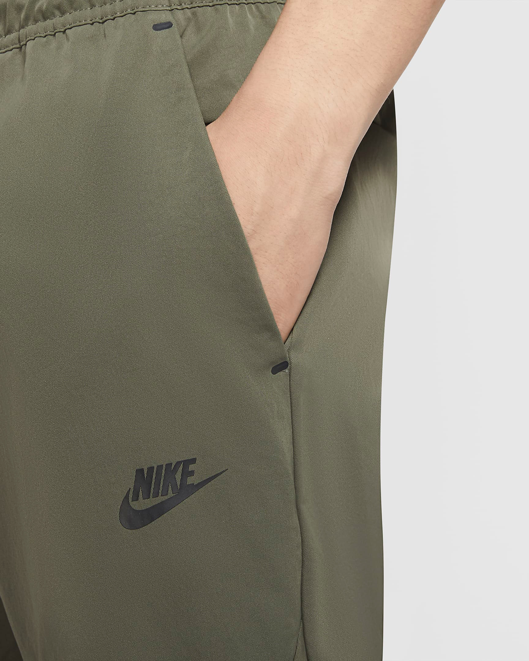 nike-air-tuned-max-celery-pants-2