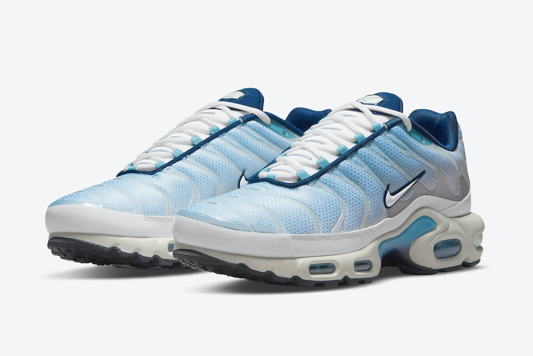 Nike-Air-Max-Plus-CZ1651-400-Release-Date-1