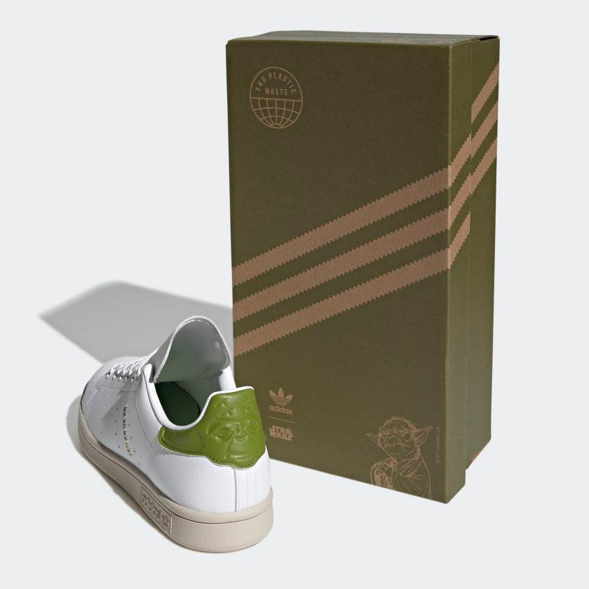 adidas-stan-smith-star-wars-yoda-shoes